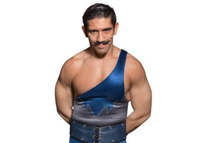 simon-gotch-chest-biceps-size