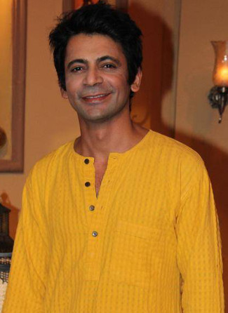 sunil-grover-height-weight-age-biceps-size-body-stats