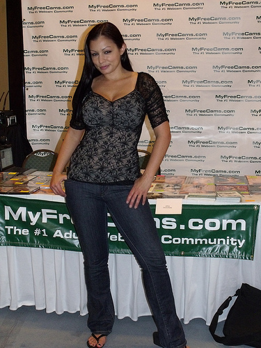 Aria Giovanni Upcoming films, Birthday date, Affairs