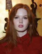 Ellie Bamber Measurements, Height, Weight, Bra Size, Age, Wiki