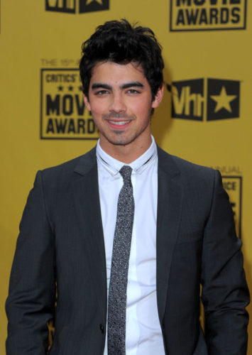 Joe Jonas Chest Biceps size
