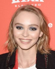 Lily-Rose Depp Measurements, Height, Weight, Bra Size, Age, Wiki
