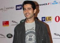Hiten Tejwani height and weight 2017