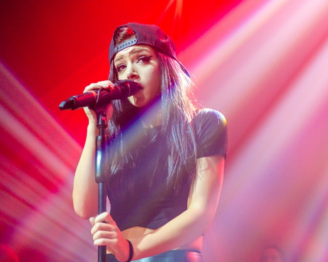 Chrissy Costanza height and weight