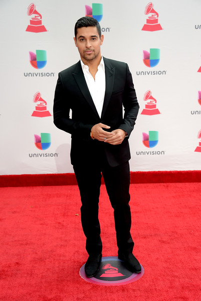 Wilmer Valderrama height and weight 2017