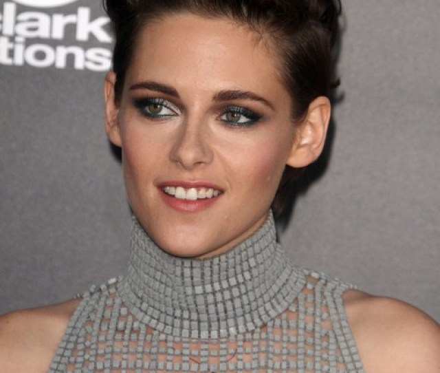 Kristen Stewart Intentional Rebranding Nip Slip For Robert Pattinson At Hollywood Film Awards