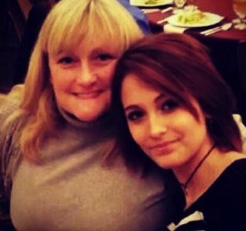 Paris Jackson Medos obesos mórbidos Debbie Rowe Will Die Like Her pai, Michael Jackson, se ela não perder peso (FOTOS)