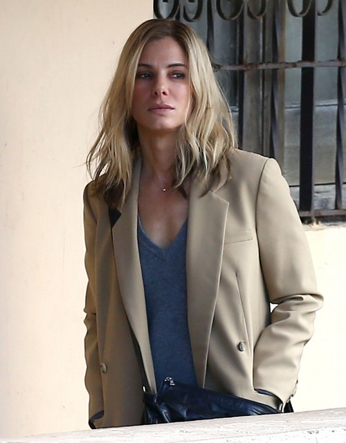 Girl Side Face Wallpaper Sandra Bullock S New Boyfriend Found By George Clooney S