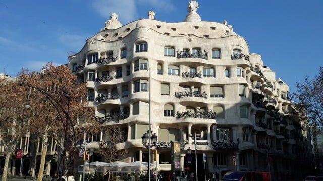 Barcelona gaudi eserleri