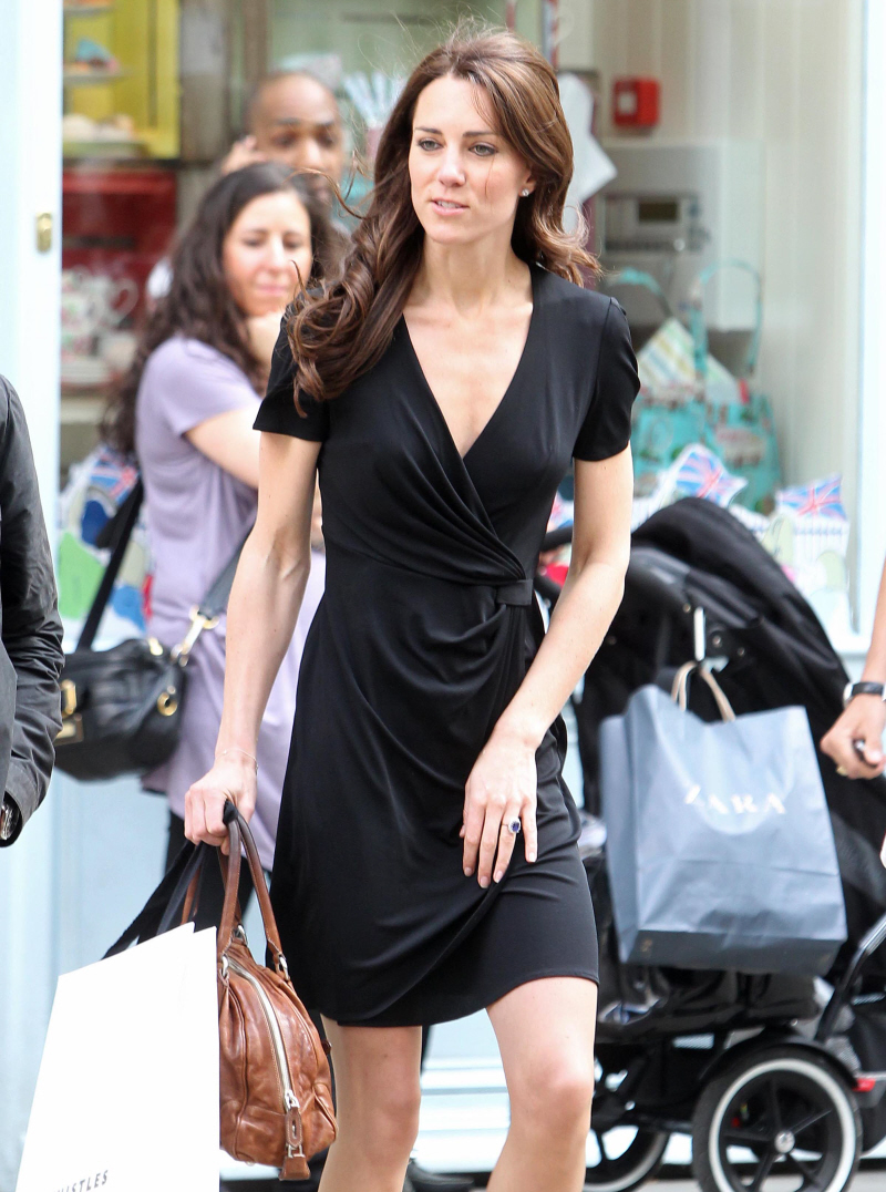 https://i0.wp.com/www.celebitchy.com/wp-content/uploads/2011/04/fp_7189449_barm_middletonkate_shopping_04_111.jpg