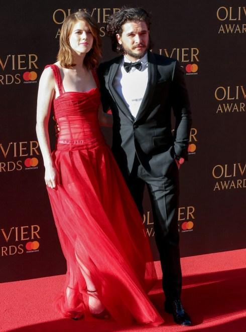 Corredo Harington & Rosa Leslie osservata assolutamente adorabile i premi di Olivier