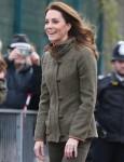 La Duchessa di Cambridge visita il King Henry's Walk Garden