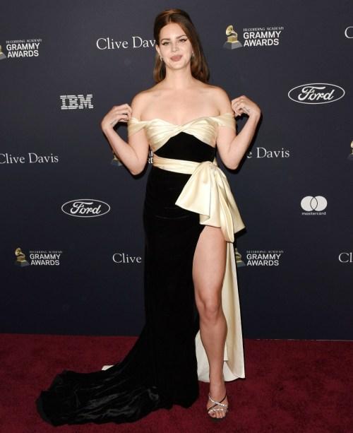 "Lana Del Rey arriva al Pre GRAMMY Gala e GRAMMY Salute to Industry Icons in onore di Sean ""Diddy"" Combs al Beverly Hilton Hotel il 25 gennaio 2020 a Beverly Hills, in California © Jill Johnson / jpistudios.com"