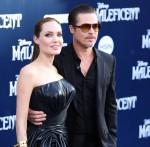 ** FILE FOTO ** Angelina Jolie e Brad Pitt al processo in custodia