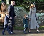 Il duca e la duchessa di Cambridge lasciano la chiesa di Sandringham dopo il servizio del giorno di Natale con la principessa Charlotte e il principe George.