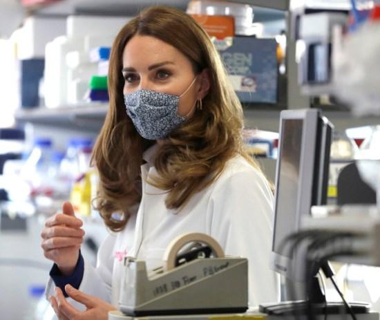 La duchessa di Cambridge visita l'Imperial College di Londra