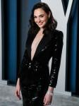 Gal Gadot arriva al Vanity Fair Oscar Party 2020 che si tiene presso il Wallis Annenberg Center for the Pe ...