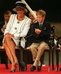 SAR LA PRINCIPESSA DI GALLES (SAR la Principessa Diana). Con Sua Altezza Reale il Principe Harry. Visto alle celebrazioni del giorno di VJ. CREDITO OBBLIGATORIO: UPPA / Photoshot Photo URK 010143 / G-29 19.08.1995