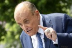 Giuliani parla ai media