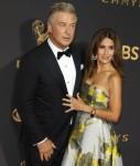 Alec Baldwin, Hilaria Baldwin partecipa alla sessantanovesima edizione dei Primetime Emmy Awards al Microsoft Theatre