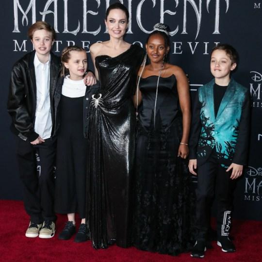 Shiloh Nouvel Jolie-Pitt, Vivienne Marcheline Jolie-Pitt, Angelina Jolie, Zahara Marley Jolie-Pitt e Knox Leon Jolie-Pitt arrivano alla prima mondiale di Maleficent: Mistress Of Evil della Disney tenutasi al Teatro El Capitan il 30 settembre, 2019 a Hol