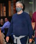 Bill Gates lascia la cena al Nobu con la figlia Phoebe Gates e il suo fidanzato Chaz Flynn a New York