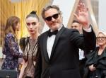 Rooney Mara e il candidato all'Oscar®, Joaquin Phoenix arrivano sul red carpet de La 92esima edizione degli Oscar® a...