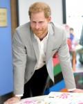 """Il duca di Sussex apre la """"futura"""" zona giovanile di Barking e Dagenham"""