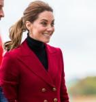 Il Duca e la Duchessa di Cambridge visitano la base per elicotteri di ricerca e salvataggio della guardia costiera di Caernarfon