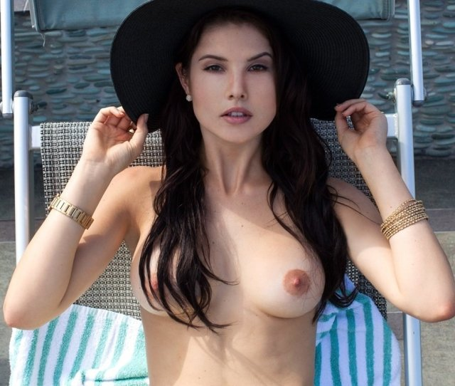 Amanda Cerny Nude Playboy