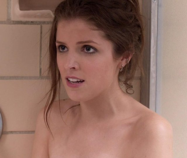Anna Kendrick Nude And Sex Scenes From Pitch Perfect 3 Red Band Trailer