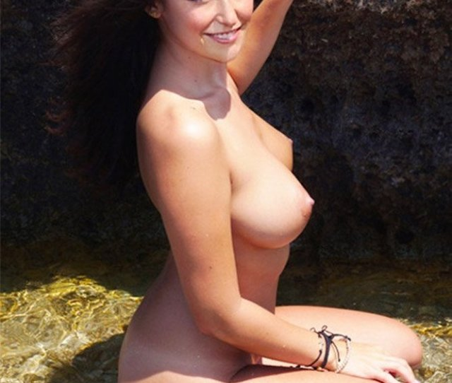 Milana Vayntrub Nude