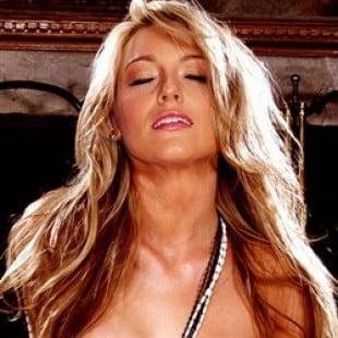 Blake Lively Nude Photos  Videos