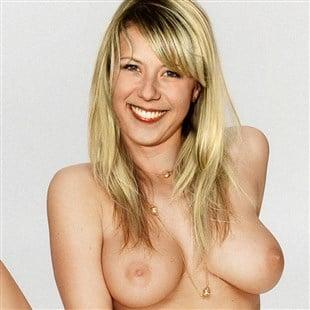 2 elizabet naked