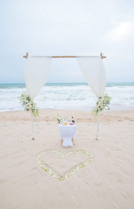 beach wedding layan phuket