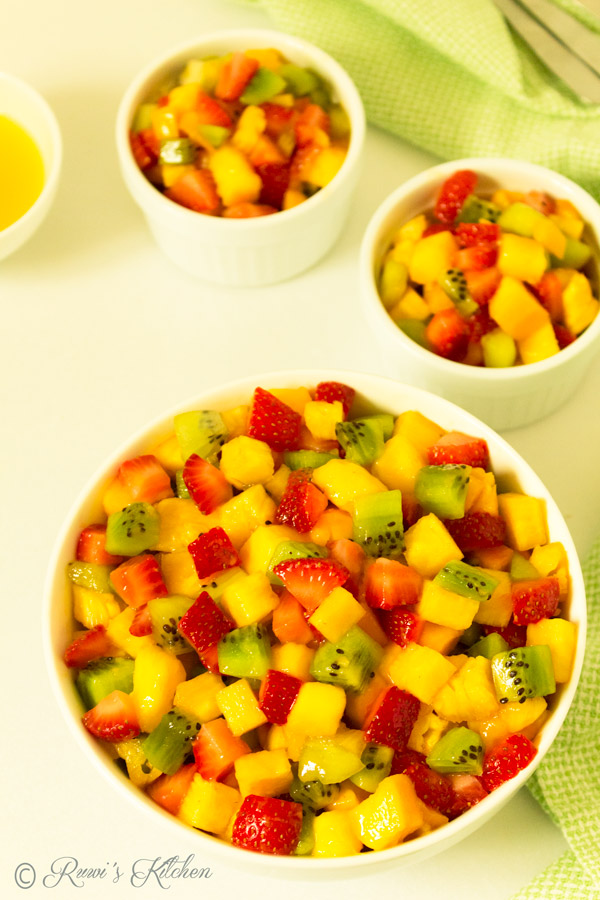 It is a healthy, quick and simple  Summer Fresh Fruit salad that everyone will love.