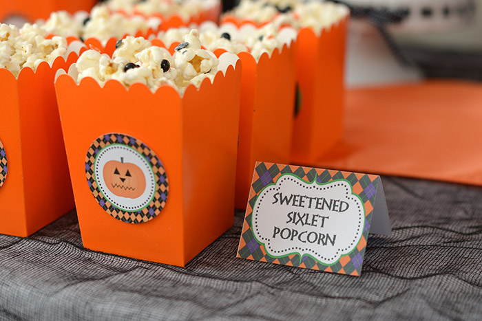 Halloween Popcorn with Sixlets