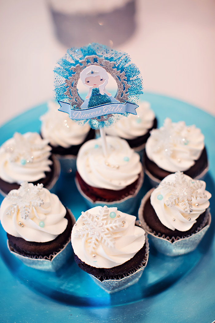 Frozen Birthday Party Cupcakes