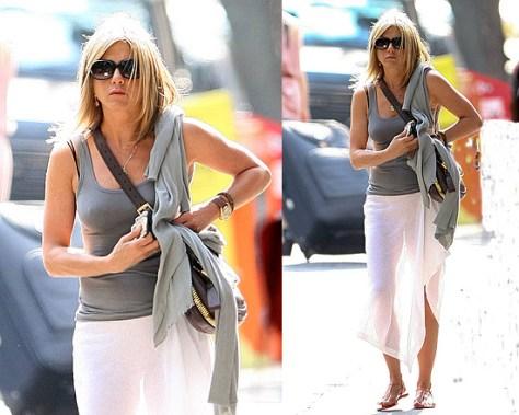 Jennifer Aniston wearing Tom Ford Jennifer sunglasses