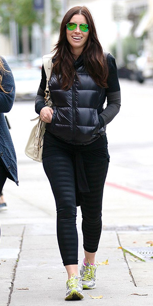 jessica-biel-Nike-Pro-Dri-FIT-Embossed-Compression-Tights