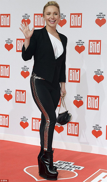 Hayden Panettiere in Norma Kamali Studded High-rise Leggings and Alaïa Leather Wedge Ankle Boots at the Ein Herz Fuer Kinder Gala 2015 in Berlin, Germany 2015