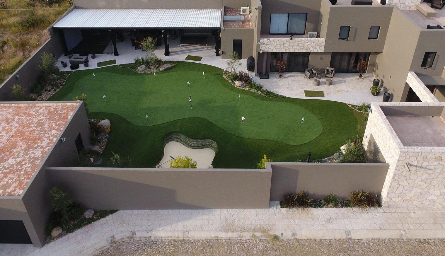 Arizona custom backyard putting greens installers
