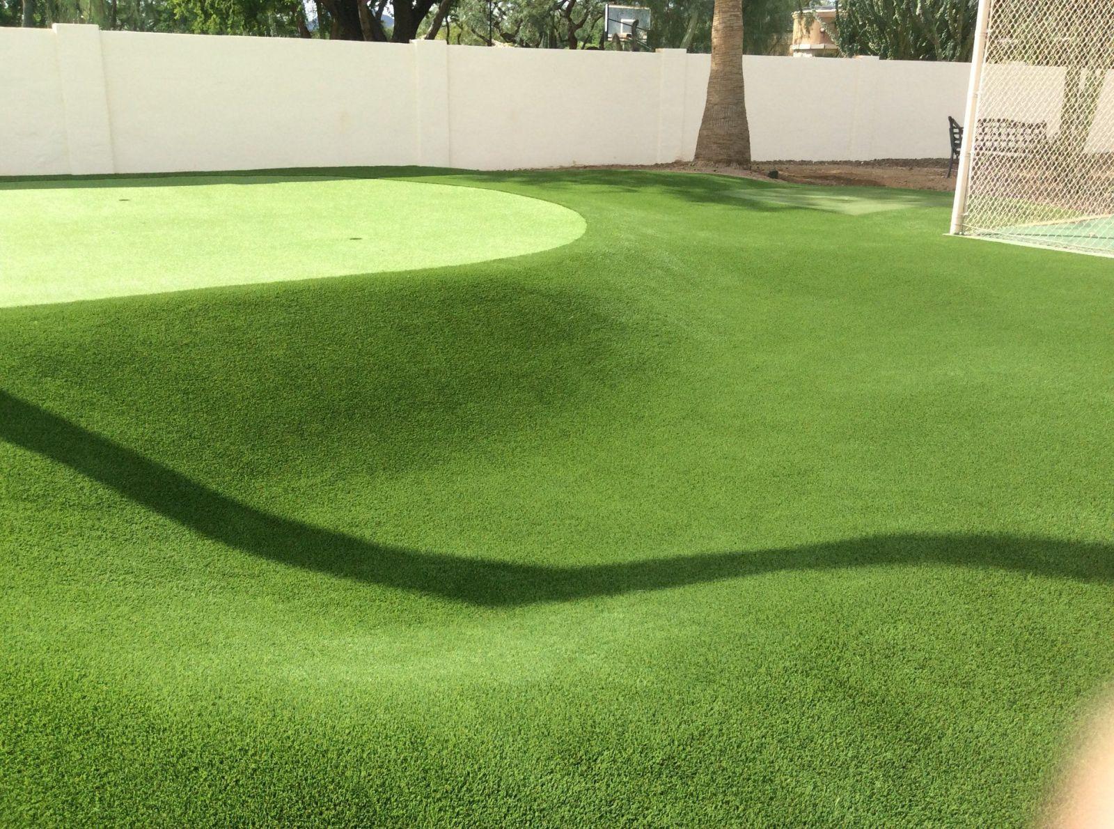 custom backyard putting green installers in Arizona