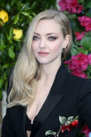 amanda seyfried hair color 2018