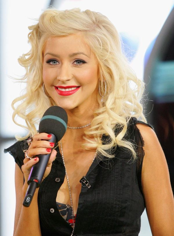 Christina Aguilera Bra Size Age Weight Height Measurements - Celebrity Sizes