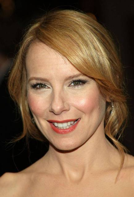 Amy Ryan Bra Size Age Weight Height Measurements