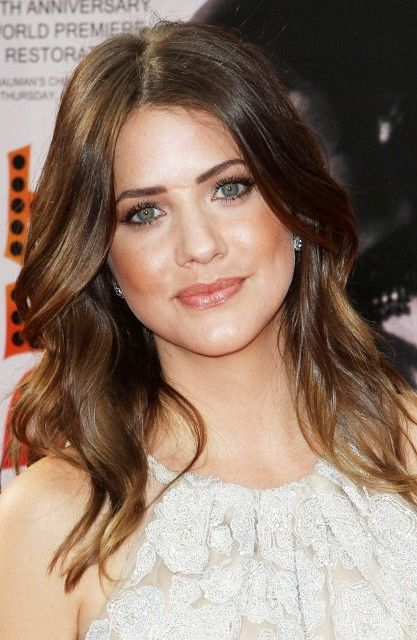 Julie Gonzalo Bra Size Age Weight Height Measurements