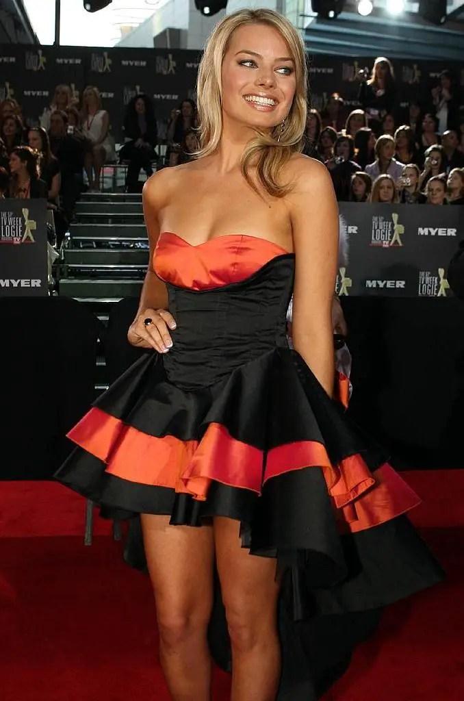 Margot Robbie Workout Routine Celebrity Sizes