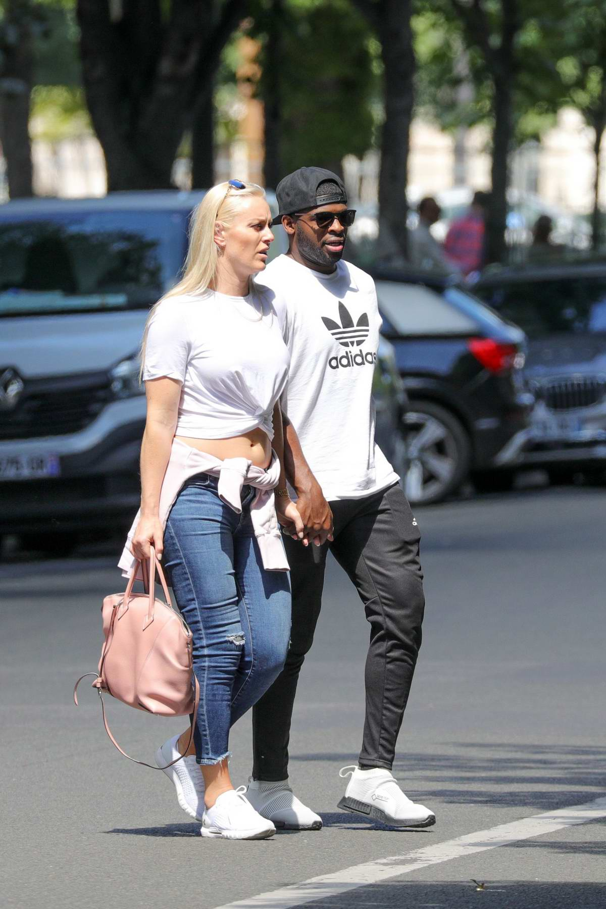 Lindsey Vonn Holds Hands With Her New Boyfriend Pernell Karl Subban While Out For Shopping In
