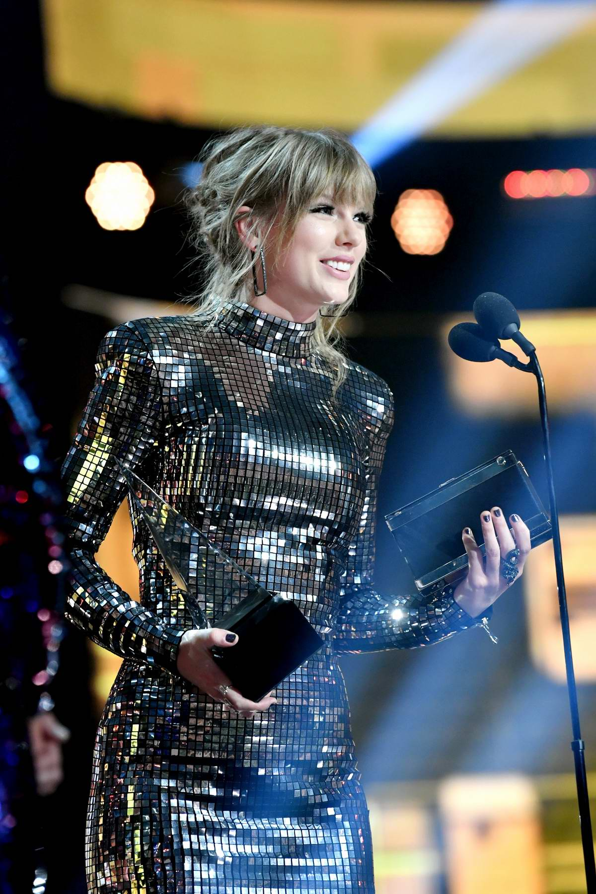 Taylor Swift Attends American Music Awards Ama